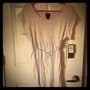 Lace babydoll maternity shirt